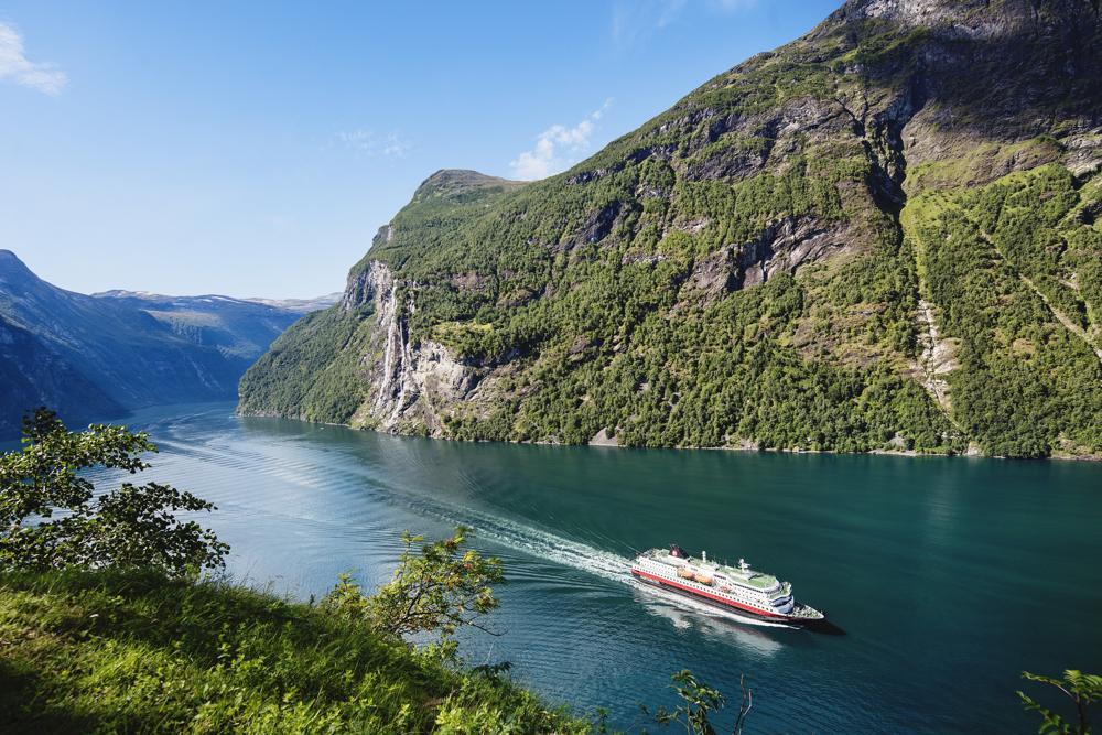 Hurtigruten herstart in juli langs Noorse kust met alle 7 schepen