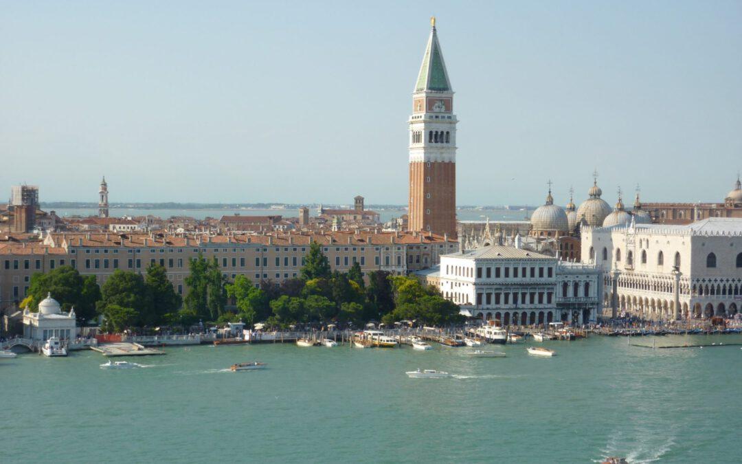 MSC Orchestra ontvangt geen warm welkom in Venetië