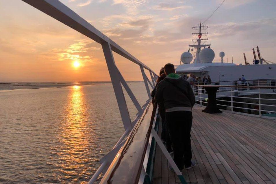 Phoenix Reisen start met Artania vanuit Bremerhaven