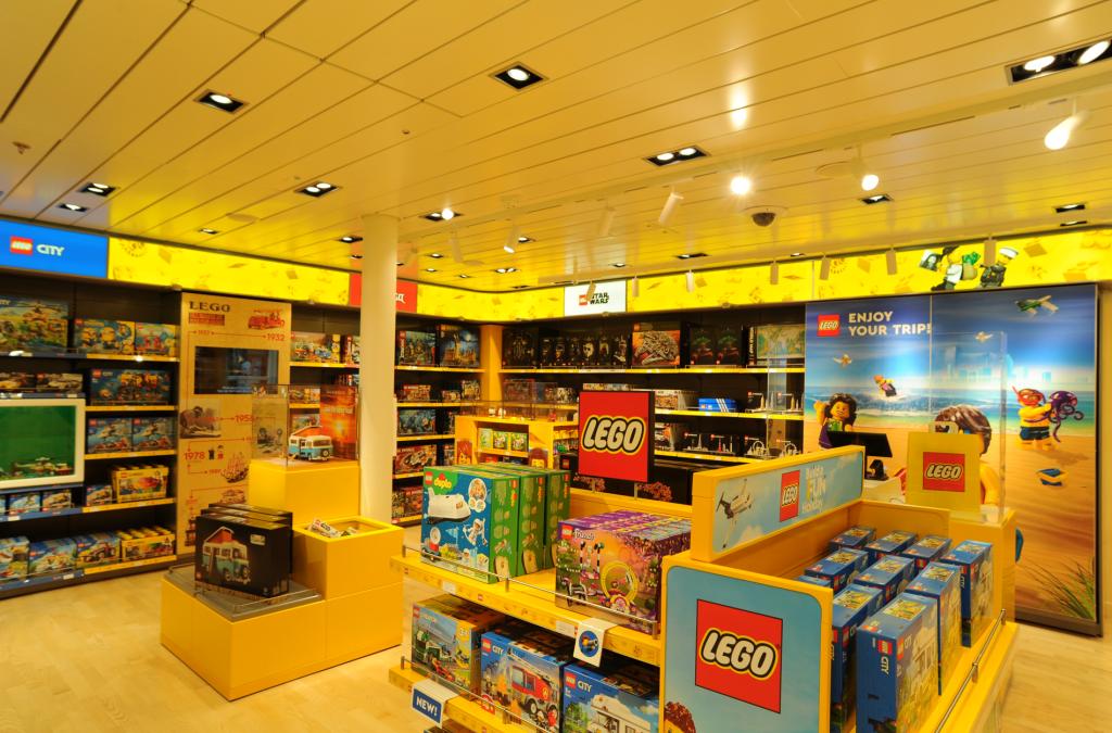AIDA Cruises opent 's werelds eerste LEGO winkel aan boord van een cruiseschip